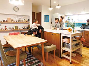 ほどよい距離感が絶妙な二世帯家族の中心に『かもめ食堂』的LDK