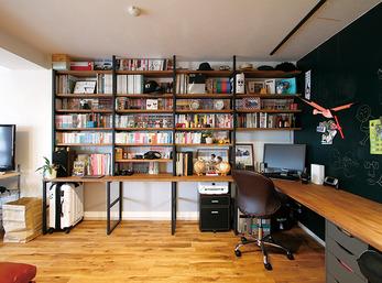 高さ、間隔、素材の全てを吟味した男前な書斎