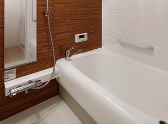 省エネを考慮したシンプル&シックなバスルーム