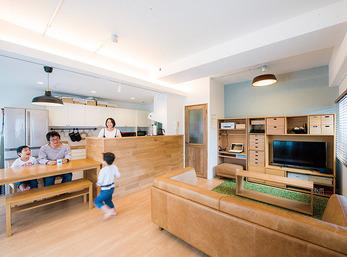 大好きな家具とキッチンに囲まれ快適で開放感に満ちた暮らしに満足