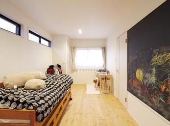 子どもたちも喜ぶお絵描きOKの壁や回遊できる間取り