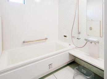 白を基調にして、明るく清潔感溢れる空間に