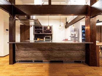 築80年の風格と機能性が融合した和モダンキッチン
