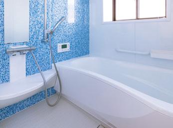 爽やかな印象のバスルームは使い勝手も抜群