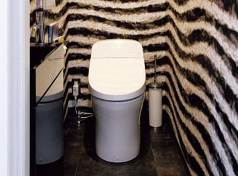 限られた空間で個性を表現した新設トイレ