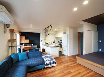 床や壁にもこだわり ペットと家族のように 暮らせるリフォームを