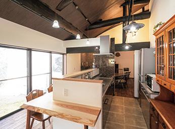 180年以上受け継がれてきた家を明るく暖かく安全な居住空間に