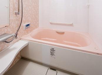 サイズ拡大で足を伸ばして入浴可能に