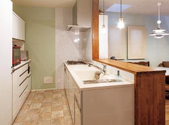 垂れ壁をなくして開放感を増したキッチン