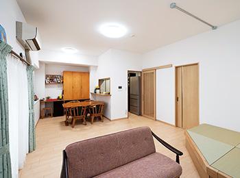 部屋数を減らして空間を広く帰省した家族との団らんも楽しみに